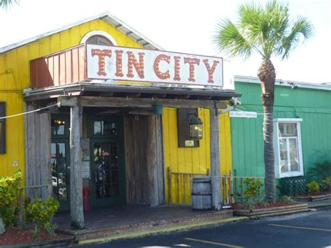 tin city - Picture of Bayfront Inn 5th Ave, Naples