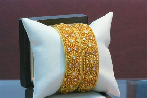 Indian Jewellery and Clothing: Latest antique gold bangle