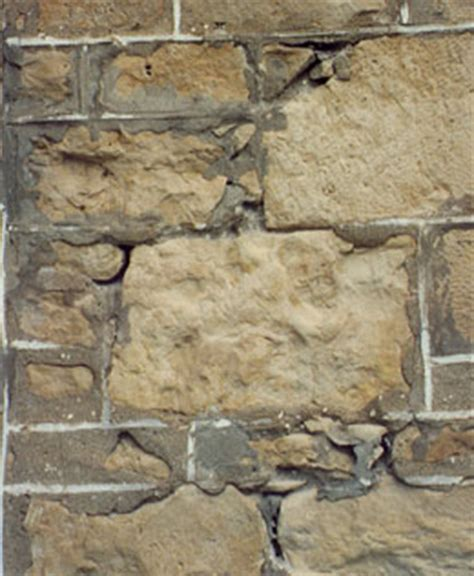 Home BUILDER Canada - Traditional vs Modern Repointing MORTAR