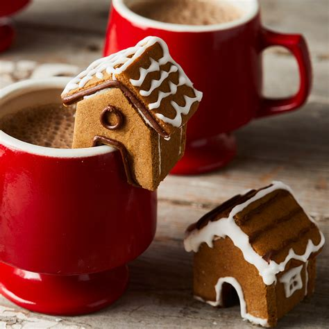 These Mini Gingerbread Houses Are Almost Too Cute for