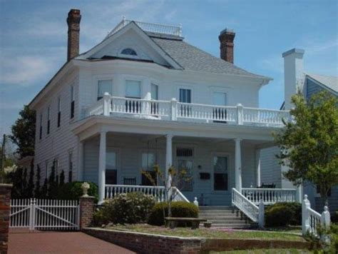 📷 Local Photo Gallery // Inlet Inn in Beaufort NC