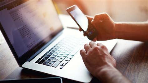'Nigeria's internet fraudsters focus on corporate e-mail