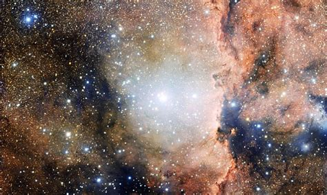Image reveals nebulae, clusters and star-forming regions